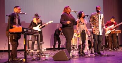 Counter-inaugural concert at Strand Theatre: Clara Hudson photo